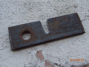 groove cut on steel plate to take the shaft
