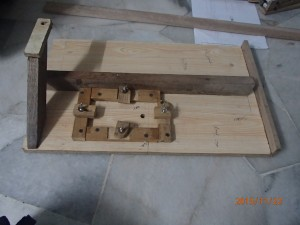 Jigsaw table with clamping cleats for jig saw