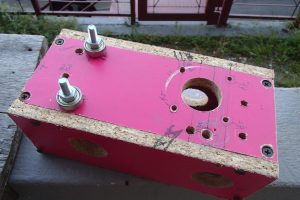 Access hole for belt puller and relocation of idler pulley on Y-axis