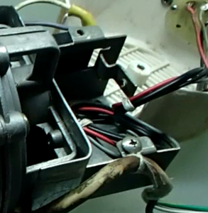 Original end plate with a step was further away from the motor.