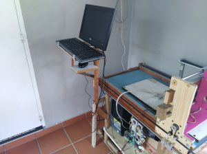 Support leg for monitor-keyboard-mouse assembly
